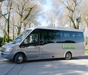 Minibus service in tuscany